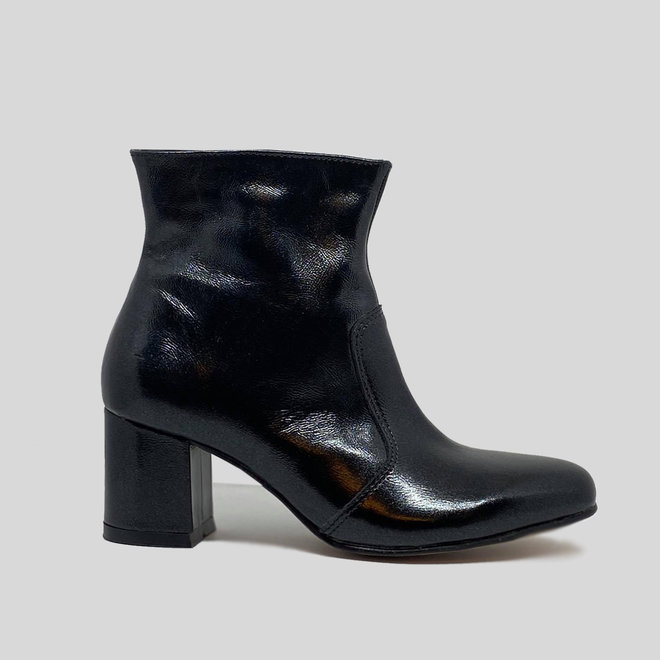 BOOTS 100% PATENT LEATHER HANDMADE FROM CHILE - BLACK