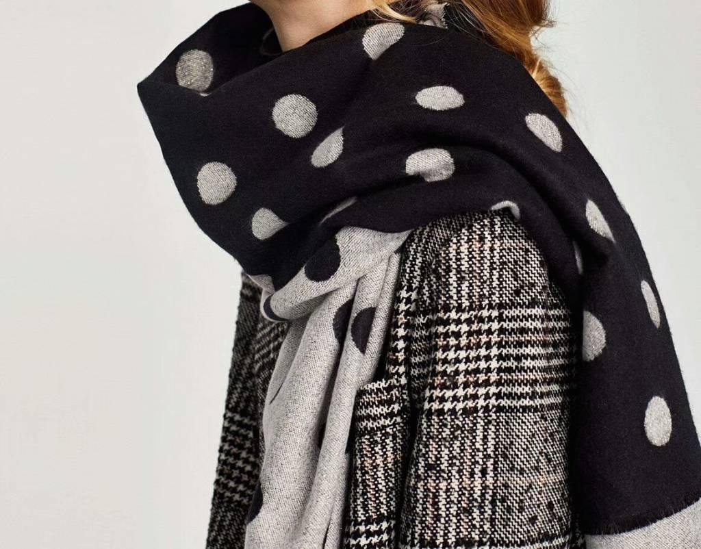 Sjaal met noppen zwart en wit