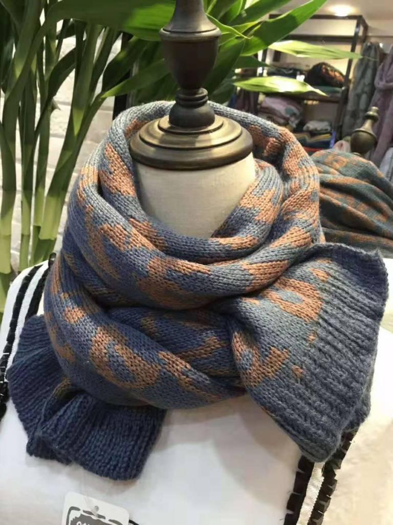 Gebreide Sjaal Hug Me, Korenblauw