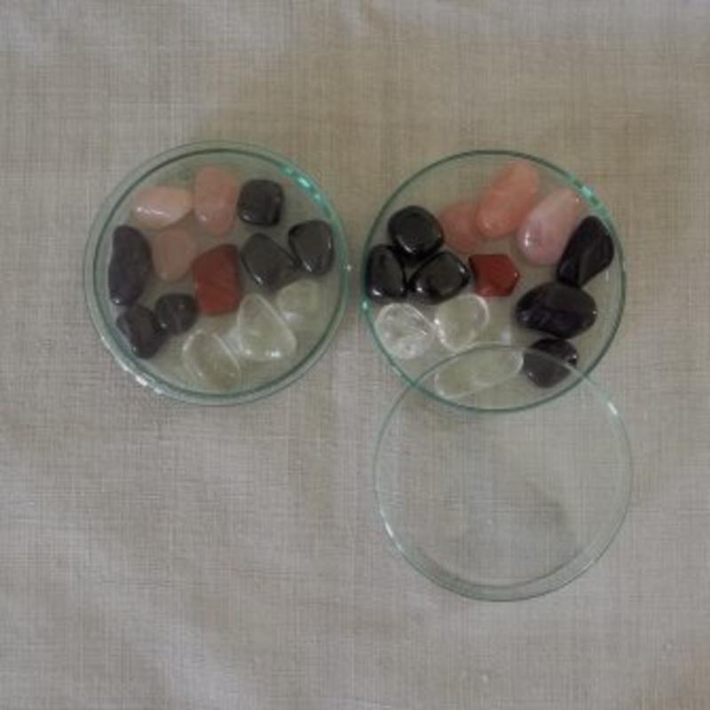 aquaRevitaliser Berg-Kristall 13st in Glaspetrischale