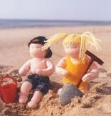 De Witte Engel De Witte Engel - Twee kindertjes op het strand A414