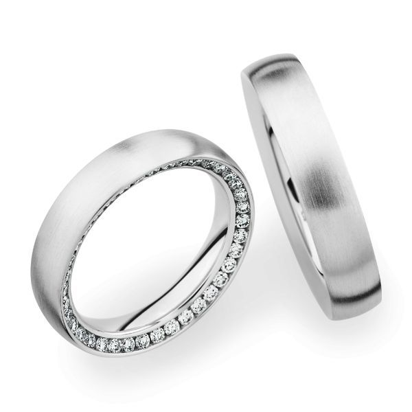 Wedding Rings 18 Carat White Gold 37 Brilliants