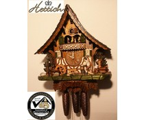 Hettich Uhren Orginal Schwarzwälder Kuckucksuhr mit 8 Tage Musik-Tänzer- Rechenschlagwerk mit beweglichem Holzhacker -Tanzfiguren und Mühlrad 47 cm hoch und 42cm breit