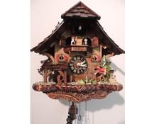 Trenkle Uhren Kuckucksuhr 33cm hoch 31cm breit mit handgefertigtem Holzschindeldach mit Quarzwerk und beweglichem Angler - Copy