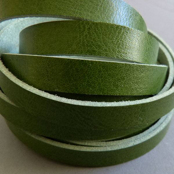 Lederband grün, flach - 10 mm