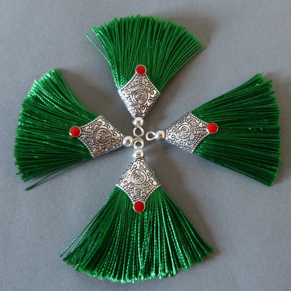 Quaste - grün - 45 mm