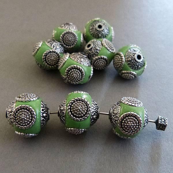 Kashmiri Perle 15 mm - grün
