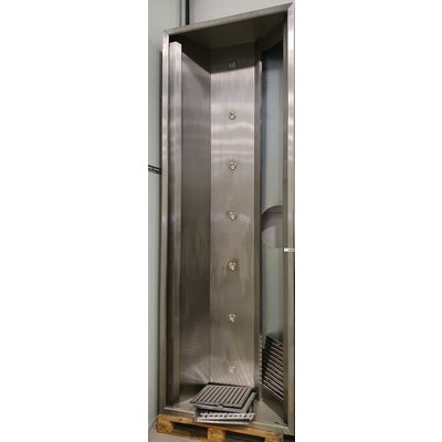 Afzuigkap 3700x1300x500mm LxDxH inductiekap met 7 led spots compleet met 7 lamelroosters kort gebruikt. occasion van € 3.360,-