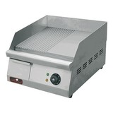 Caterchef bak/grillplaat 40x40cm 1/2 glad/1/2 groef 230V 3000W