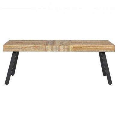 Des bancs de bois