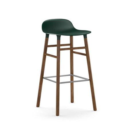 Normann Copenhagen Bilden grünem Kunststoff Stuhl Nussbaum 75cm