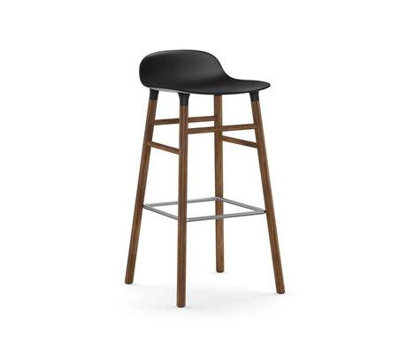 Normann Copenhagen Stuhlform Kunststoff schwarz Nußbaumholz 75cm