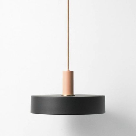 Ferm Living Hanglamp Record low black pink metal
