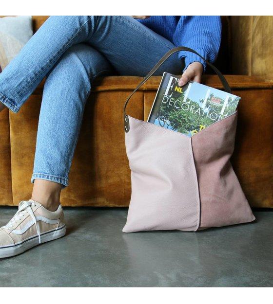 Siehst du dich schon mit dieser Schönheit auf deinem Arm  Die Tasche von HK  Living besteht aus Wildleder und Leder. Es gibt einen Reißverschluss, ... b10b98b8cb
