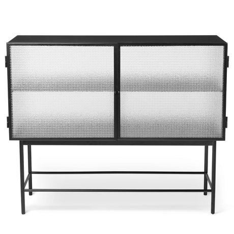 Ferm Living Haze Sideboard aus schwarzem Glas und pulverbeschichtetem Metall 110x40x90cm