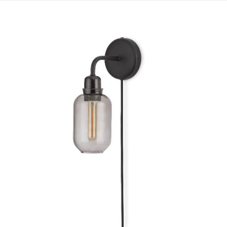 Normann Copenhagen wandlamp amp zwart smoke gepoedercoat metaal glas 30,5x11x17cm