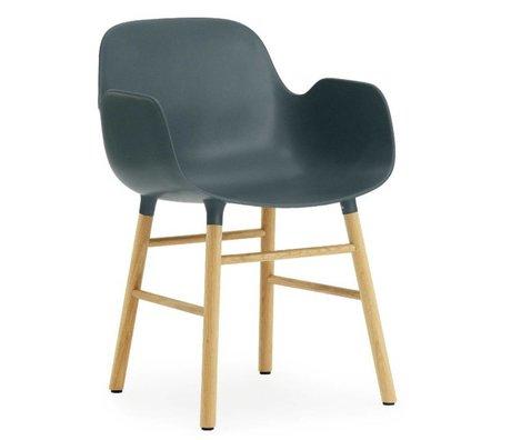 Normann Copenhagen Blauer Kunststoff Stuhl mit Armlehne Formular Eiche 79,8x56x52cm