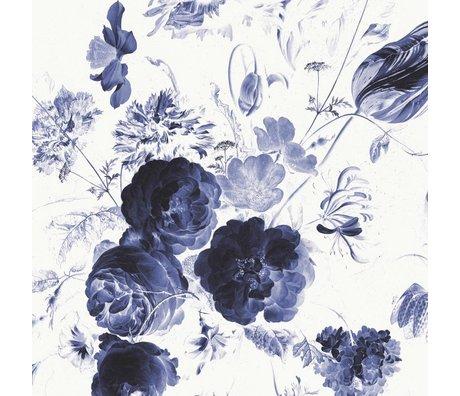 KEK Amsterdam Tapete Royal Blue Flowers I mehrfarbige Papierbahn 389,6x280cm