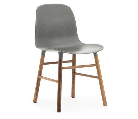 Normann Copenhagen Formulaire plastique gris 78x48x52cm bois chaise en noyer