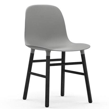 Normann Copenhagen Form Stuhl schwarz grau Kunststoff Eiche 78x48x52cm