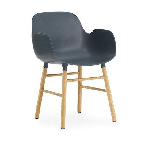 Normann Copenhagen chaise en plastique bleu avec 80x56x52cm bois de l'accoudoir Formulaire