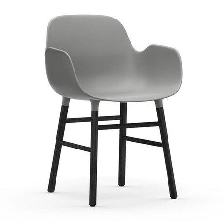 Normann Copenhagen Chaise à accoudoirs Formulaire bois plastique noir gris 80x56x52cm