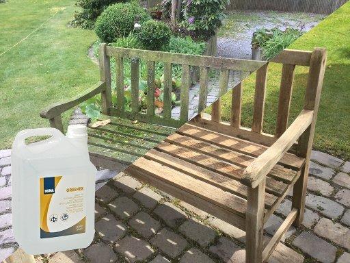 Groenaanslag op je houten tuinbank? Zo maak je je tuinbank zo goed als nieuw!