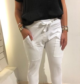 WENDY TRENDY Jogginghose Weiß 14 mit aufgesetzten Taschen.