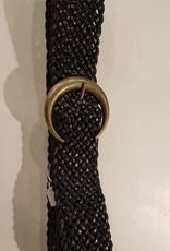 Zwart gevlochten leren riem met een  brons kleurige gesp
