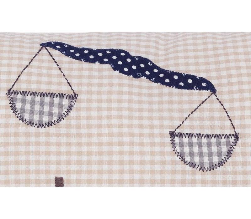 Namenskissen Geschenk für Anwälte, Farbe: Beige kariert