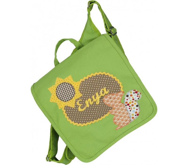 Kindergartentasche / Rucksack mit Namen bestickt. Eichhörnchen