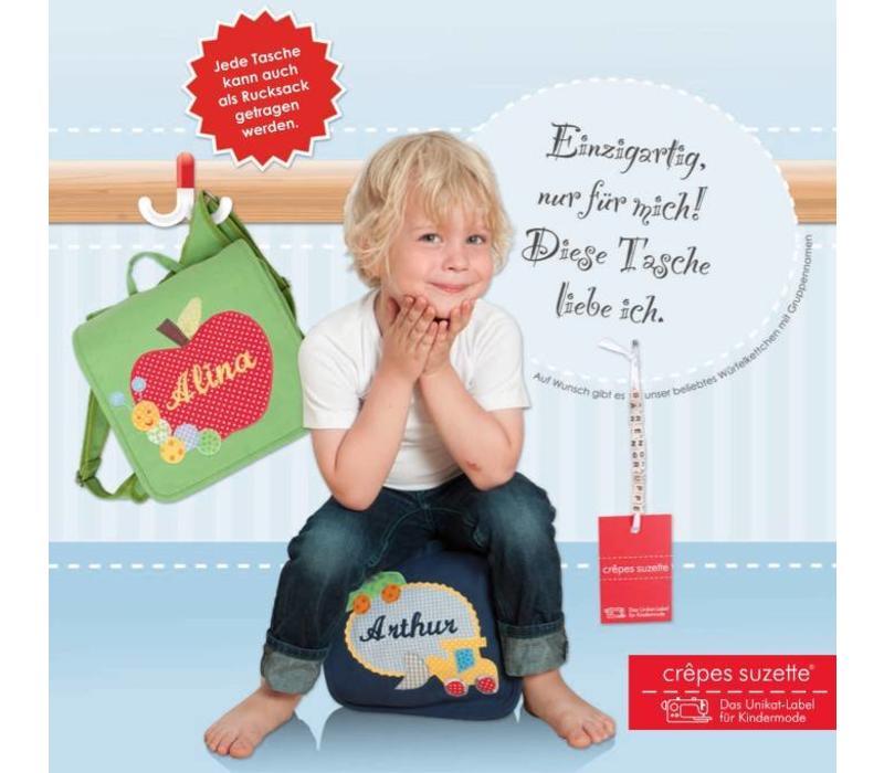 Kindergartentasche wandelbar zum Rucksack mit Namen bestickt. Zwerg auf Blume