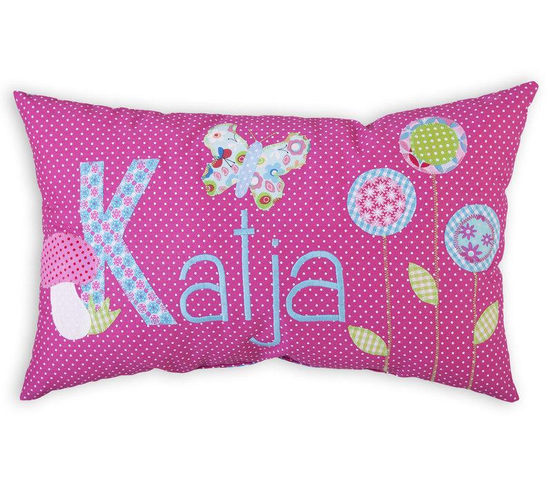 Namenskissen Schmetterling und Blumen, Modell: Katja, Farbe: Pink kariert
