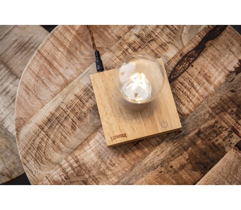Air | Levitating lamp with oak wooden base