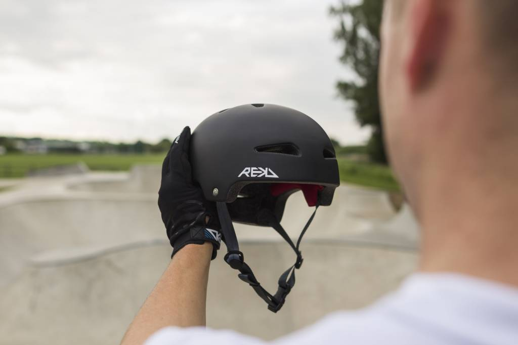 REKD  REKD ULTRALITE IN-MOLD SKATEHELM
