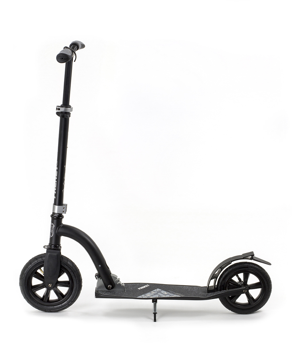 FRENZY SCOOTERS FRENZY 10+ STEP MET LUCHTBANDEN 230MM