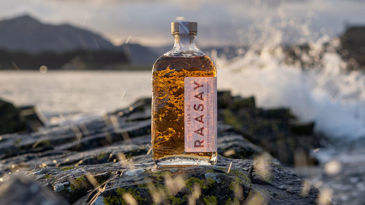 Drei Fässer, zwei Rohbrände, ein gelungener Auftakt: Die Raasay Distillery startet in die Core Range