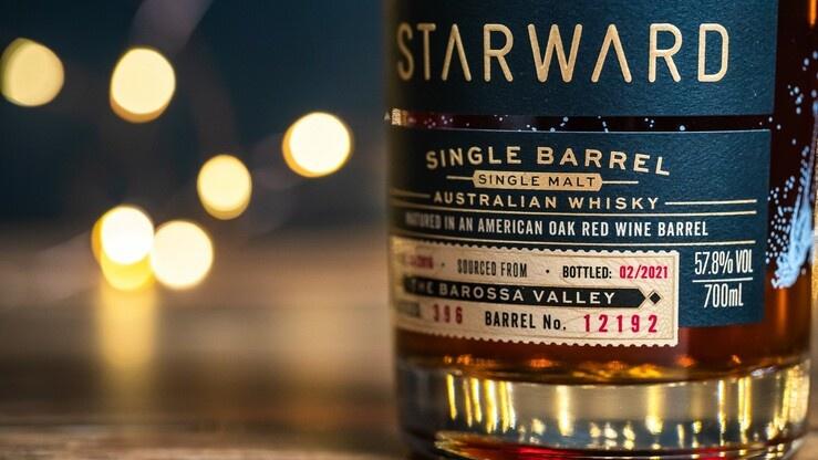 Schokolade, Beeren, Gebäck: Pure Gaumenfreude mit dem ersten Starward Single Barrel