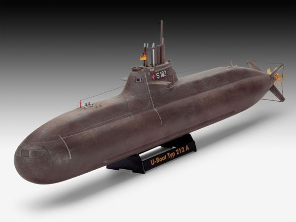 Revell REVELL GERMAN SUBMARINE CLASSE 212A 1/144