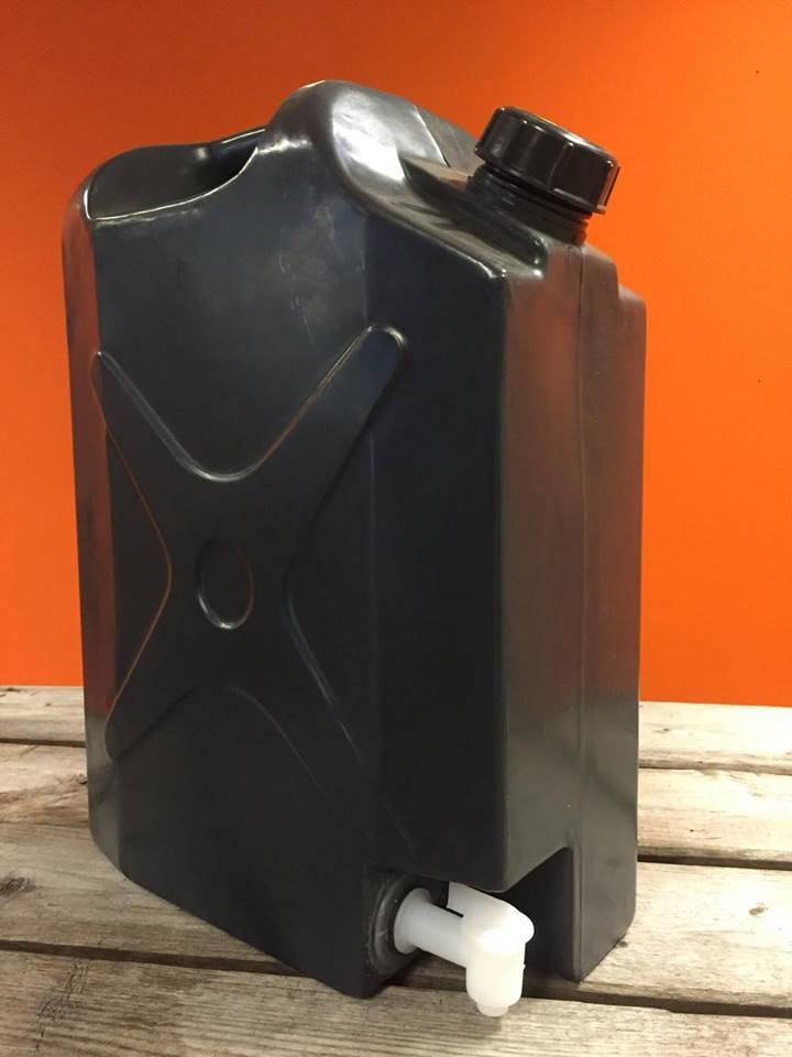 Frontrunner Water Jerry Can Plastic With Tap 20L