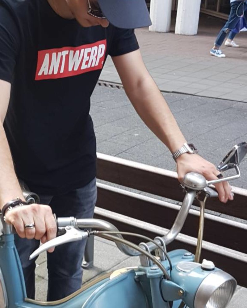 DOPE ON COTTON  ANTWERP red box  T-shirt