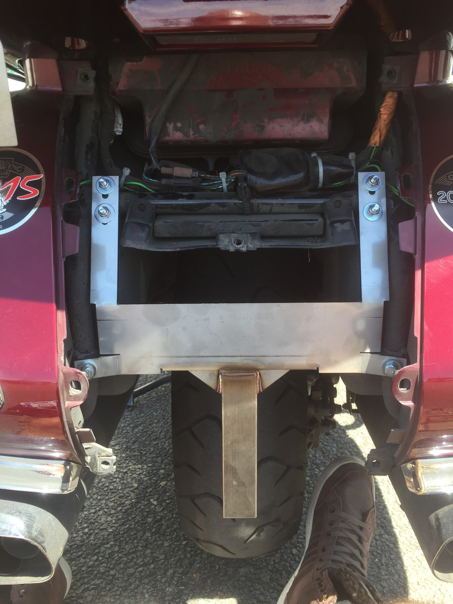 JVR Products Stainless Steel Bottom Mounted Rack GL1800 (>2012)