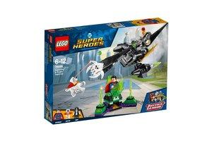 LEGO DC Super Heroes 76096 Superman™ en Krypto™ werken samen