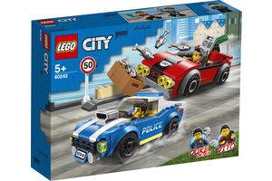 LEGO Politiearrest op de snelweg - 60242