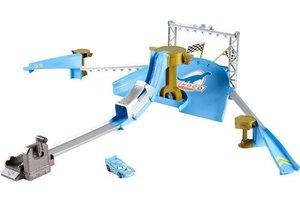 Mattel Dinoco stunt show