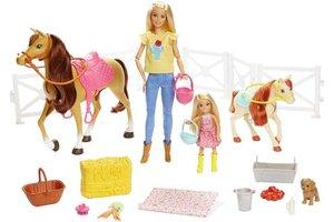 Mattel Barbie Hugs 'n' Horses Deluxe Set