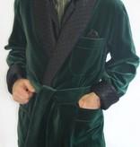 Piet Nollet Kort kamerjasje ( Kort jasje )  : van katoenfluweel met contrasterende 100% satijnen zijden gewatteerde voering en riem.