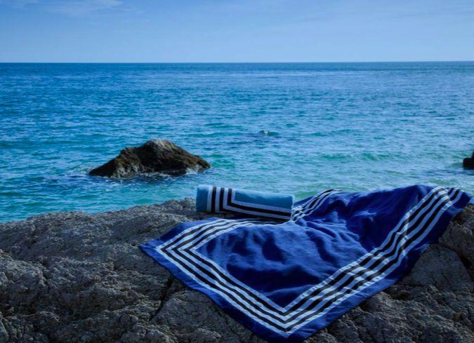 Abyss Strand of bad - handdoeken : CANNES  100 % Giza - Egyptisch katoen , extra lange draad   550 gr/ m2
