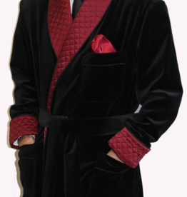 Piet Nollet Short dressing gown : in cotton velvet with contrasting 100% satin silk quilted lining and belt.