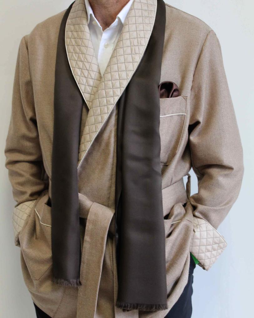 Piet Nollet Kort KAMERJASJE   kort jasje van 100% wol en met zachte kasjmier afwerking.